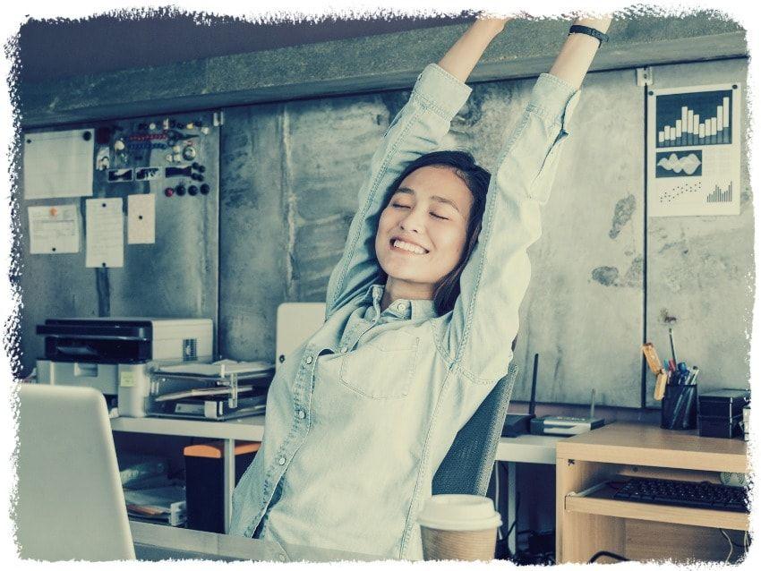 Apprenez à rester positif et motivé au travail en faisant des pauses régulières.